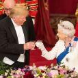 Donald Trump reçu par la reine Elisabeth II d'Angleterre lors d'un dîner d'Etat à Buckingham Palace, à Londres. Ce banquet fut organisé dans le cadre d'une visite de trois jours dans la capitale britannique du président américain. Le 3 juin 2019.