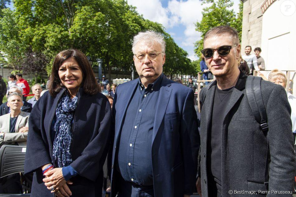 Anne Hidalgo, Dominique Besnehard et Etienne Daho - Inauguration de la promenade Jeanne Moreau à Paris le 6 juin 2019. © Pierre Perusseau/Bestimage