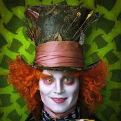 """Johnny Depp et Helena Bonham-Carter s'affichent... dans """"Alice au Pays des Merveilles"""" !"""
