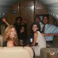 Photo postée par Courteney Cox, sur laquelle les 6 acteurs de Friends posent, peu avant la diffusion pour la première fois du show