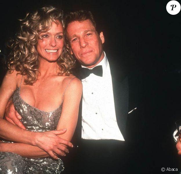 Farrah Fawcett et Ryan O'Neal, ici en 1989, vont se marier, avant qu'il ne soit trop tard...