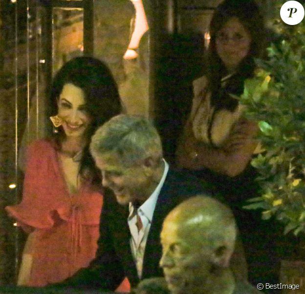 """George Clooney et sa femme Amal vont dîner au restaurant """"Gatto Nero"""" à Cernobbio (Italie), le 20 juin 2019."""