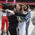 Emma Stone et Melanie C (Melanie Chisholm) Le groupe Haim, Danielle Haim, Este Haim et Alana Haim, et Emma Stone posent avec les Spice Girls Emma Bunton, Mel B (Melanie Brown), Melanie C (Melanie Chisholm), Geri Horner (Geri Halliwell) avant le concert des Spice Girls dans le cadre de leur tournée Spice World UK au stade de Wembley à Londres, Royaume Uni, le 13 juin 2019.