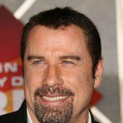 John Travolta et Luc Besson s'affichent... à Paris avec amour !