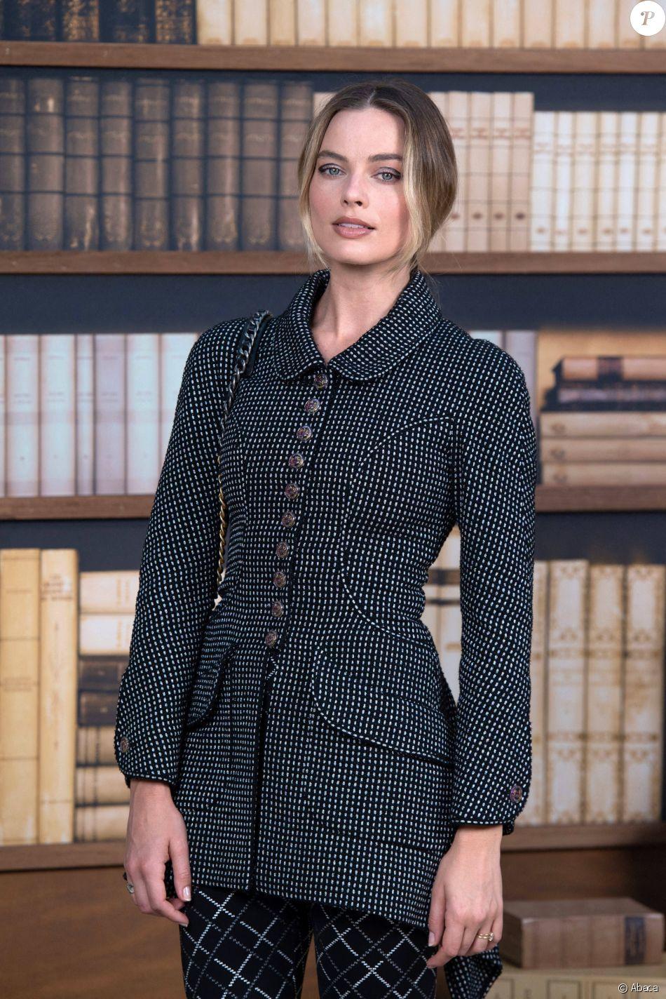"""Margot Robbie assiste au défilé de mode Haute-Couture 2019/2020 """"Chanel"""" à Paris. Le 2 juillet 2019."""