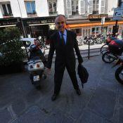 Pour son premier conseil des ministres, Frédéric Mitterrand a sorti la panoplie du parfait... teenager !
