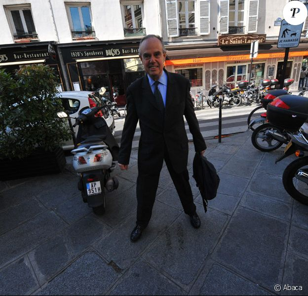 Frédéric Mitterrand, nouveau ministre de la Culture, assiste à son premier conseil des ministres, le 24 juin 2009.