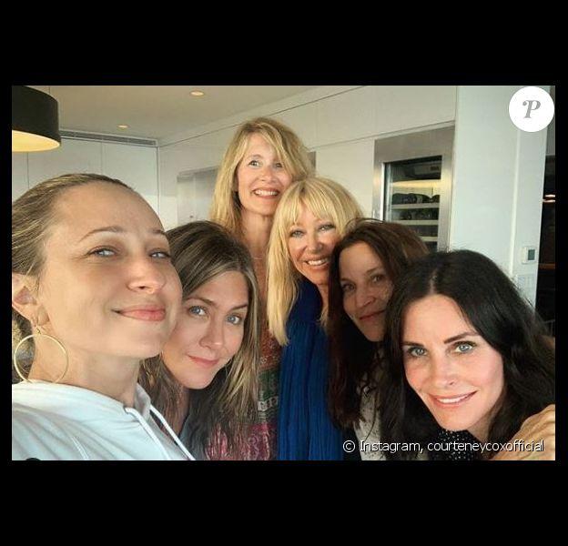 Courteney Cox, Jennifer Aniston et des amies célèbrent la fête nationale américaine le 4 juillet 2019.