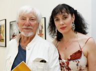 Hugues Aufray : Rare apparition avec sa jeune compagne pour une expo