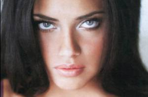 La très belle Adriana Lima... est l'Ange le plus sexy de Victoria's Secret ! La preuve ! Regardez !
