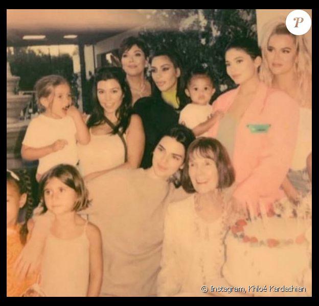 La famille Kardashian réunie pour l'anniversaire de Mary-Jo, la maman de Kris Jenner. Juillet 2019.