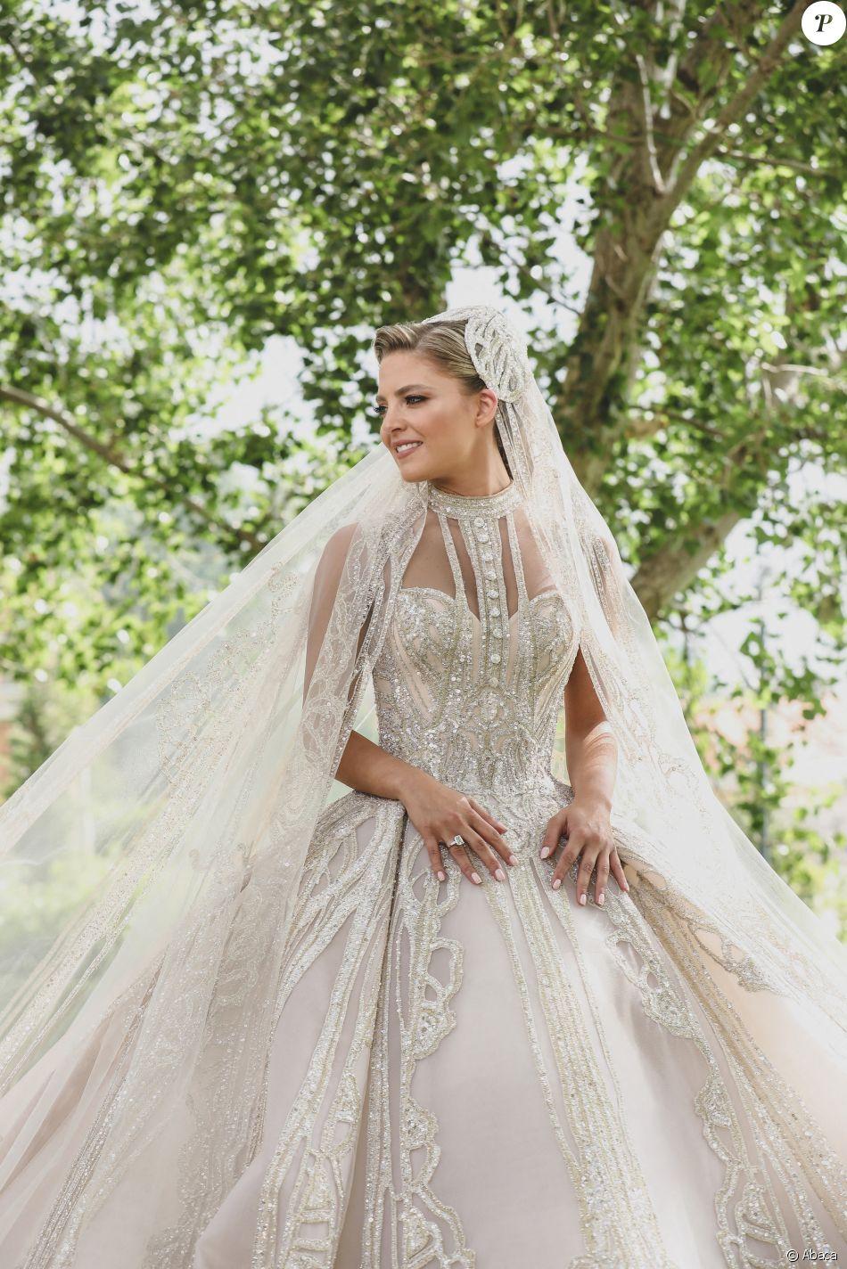 Christina Mourad, sublime en robe Elie Saab,