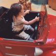 """Romy, la fille de Tiffany et Justin de """"Mariés au premier regard"""", dans un manège, le 24 juillet 2019"""