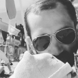 """Tiffany et Justin de """"Mariés au premier regard"""" à la plage avec leur fille Romy, le 1er juin 2019"""
