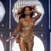 Beyoncé est de retour sur scène et sort encore le grand jeu... et le décolleté !