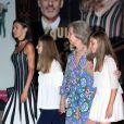"""La reine Letizia d'Espagne, ses deux filles, les princesses Leonor et Sofia, et sa belle-mère la reine Sofia d'Espagne sont allées voir le spectacle """"The Swan Lake Ballet"""" à l'Auditorium à Palma de Majorque. Le 2 août 2019."""