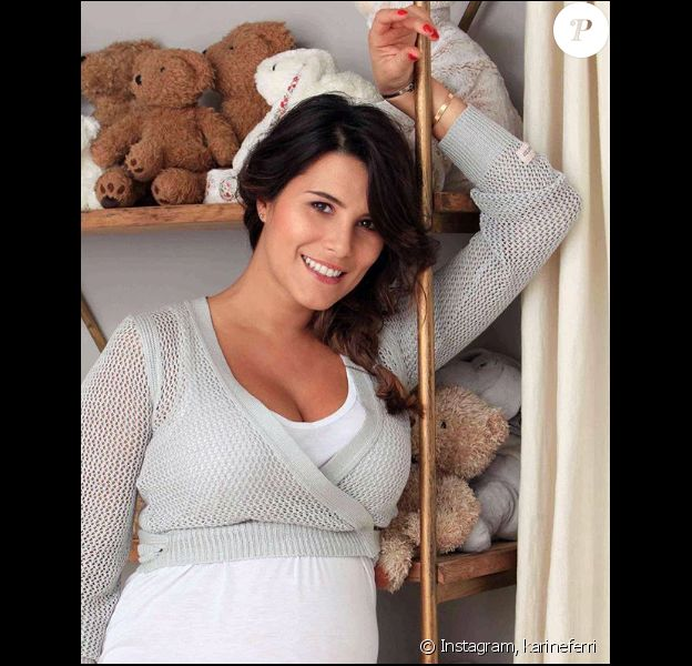 Karine Ferri, enceinte, sur Instagram le 1er janvier 2019.