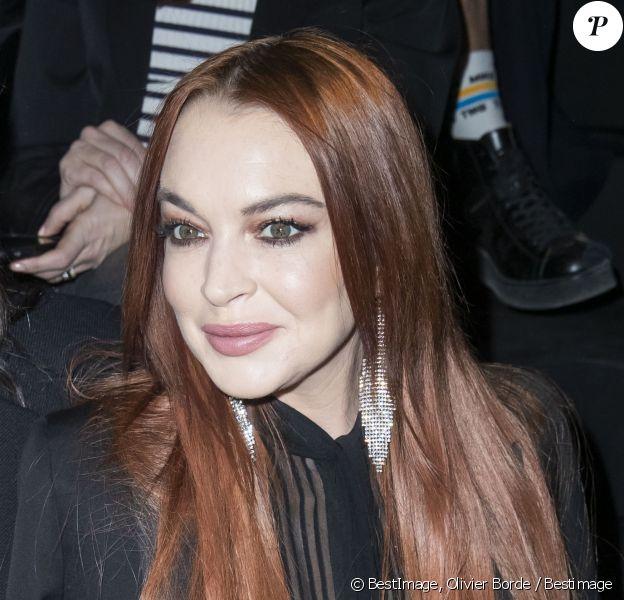 """Lindsay Lohan lors du Front Row du défilé de mode prêt-à-porter automne-hiver 2019/2020 """" Saint Laurent """" à Paris le 26 février 2019."""