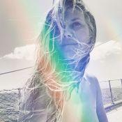 Heidi Klum seins nus : Elle pose topless pour sa lune de miel