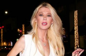 Tara Reid dévoile sa culotte dans les rues de Los Angeles