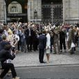 Mariage de Laurence Ferrari et Renaud Capuçon, devant la mairie du 16e arrondissement de Paris.