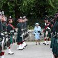 La reine Elizabeth II d'Angleterre inspectant le 6 août 2019 la garde royale à son arrivée au château de Balmoral, rituel inaugurant son séjour estival en Ecosse.