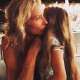 Rare photo de Rebecca Hampton et de sa fille Éléa. Photo postée durant l'été 2019.