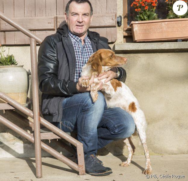 """Hervé, 47 ans, éleveur de vaches allaitantes et de taureaux, Loire - Candidat de """"L'amour est dans le pré 2019""""."""