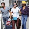 Laeticia Hallyday et son compagnon Pascal Balland avec Marine, l'ex-femme de Pascal Balland, à Los Angeles, avant d'aller chercher leurs filles à l'école. Le 13 septembre 2019