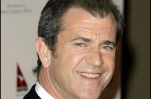 Mel Gibson, divorcé et futur papa, se met aux ordres d'une femme... et parle aux castors !