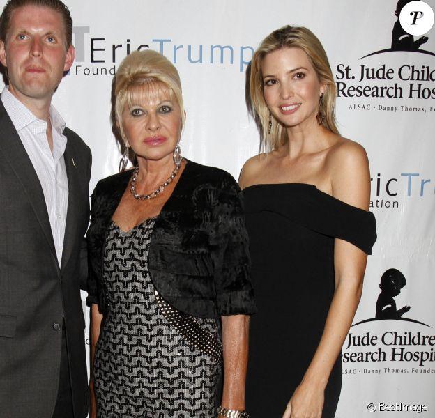 Ivana Trump et ses enfants Eric Trump et Ivanka Trump lors du 8ème tournoi de golf annuel Eric Trump au Trump National Golf Club Westchester au Briarcliff Manor à New York, le 15 septembre 2014.
