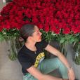 Coralie Porrovecchio a reçu de nombreuses fleurs de la part de Boubacar Kamara. Mai 2019.