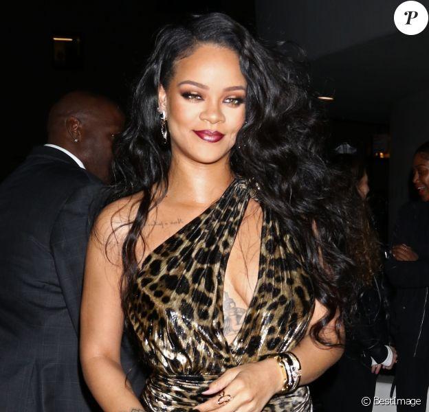 Rihanna au musée Solomon R. Guggenheim pour le lancement de son livre autobiographique, à New York, le 11 octobre 2019.