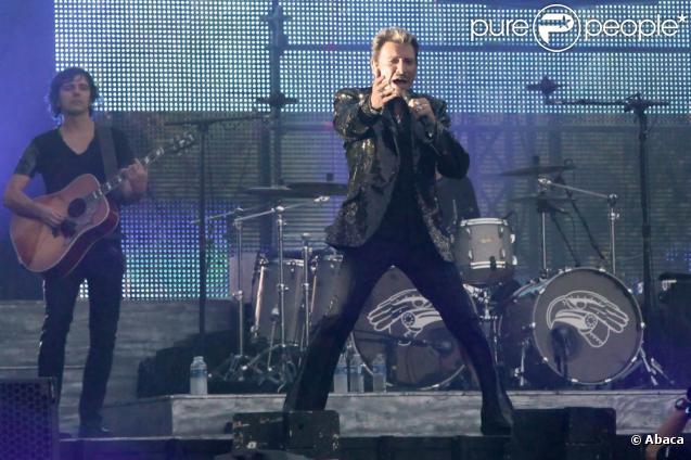 Johnny Hallyday En Concert Gratuit Au Pied De La Tour Eiffel Le 14 Juillet  2009,