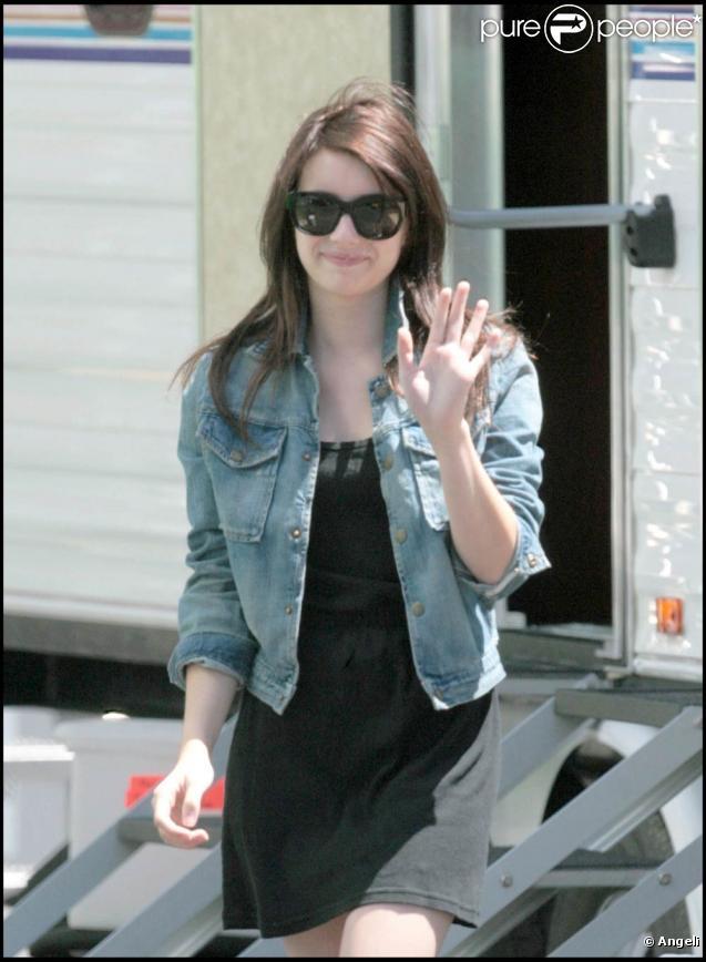 """Emma Roberts, sur le tournage de """"Valentine's Day"""", à Los Angeles, le 14 juillet 2009 !"""