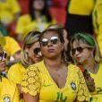 Isabele da Silva (Femme de Thiago Silva) - Célébrités dans les tribunes lors du match de coupe du monde opposant le Brésil à la Serbie au stade Otkrytie à Moscou, Russie, le 27 juin 2018. Le brésil a gagné 2-0.  Celebs attending the FIFA World Cup 2018 at Otkrytie stadium in Moscow, Russia, on June 27, 2018. Brazil won 2-0.27/06/2018 - Moscou