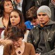 Thiago Silva et sa femme Isabelle assistent à la finale du 21e Open GDF-SUEZ au Stade Pierre De Coubertin à Paris le 3 février 2013.