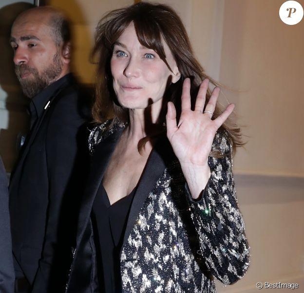 Carla Bruni à la sortie du gala Vogue Foundation lors de la mode Haute-Couture automne-hiver 2019/2020 au Trianon à Paris, France, le 02 juillet 2019.
