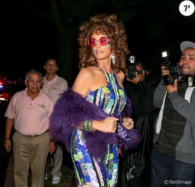 Cindy Crawford assiste à la soirée d'Halloween de la marque de tequila Casamigos dans le quartier de Beverly Hills à Los Angeles, le 25 octobre 2019.
