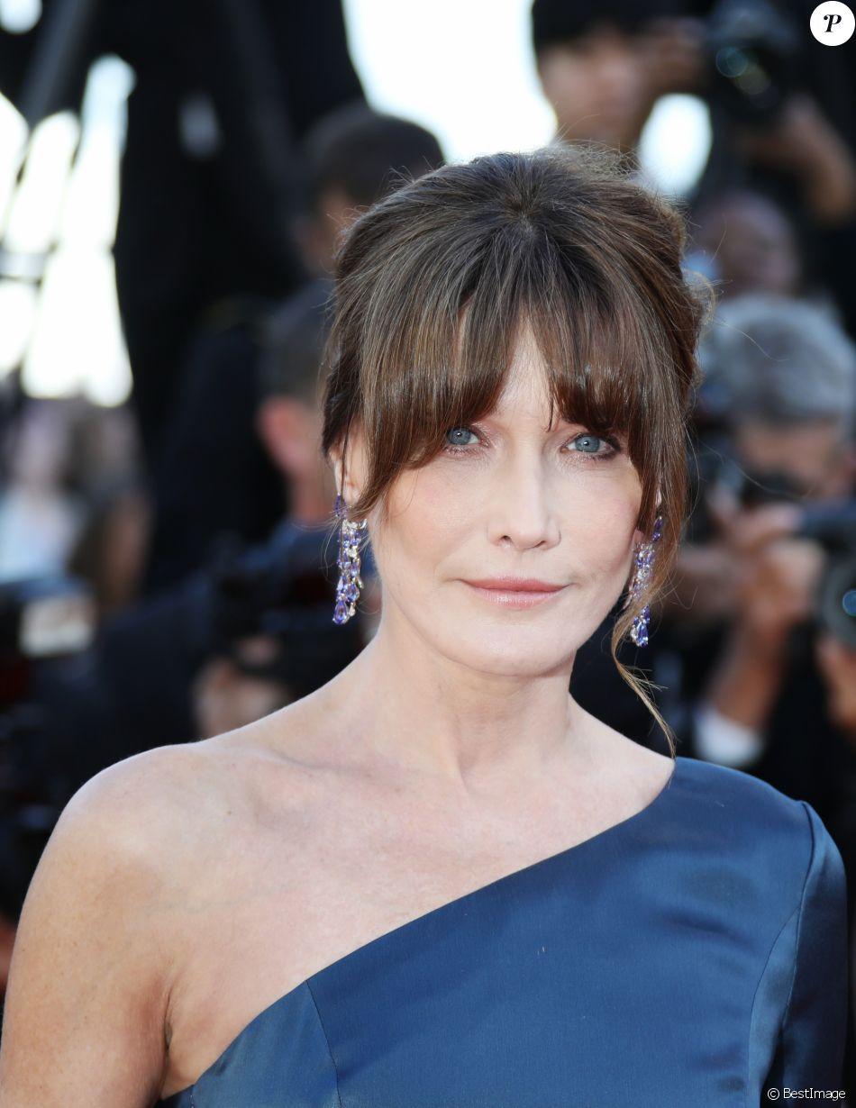 """Carla Bruni Sarkozy à la première du film """"Les Misérables"""" lors du 72ème Festival International du Film de Cannes, le 15 mai 2019."""