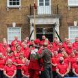 Le prince Harry, duc de Sussex, rencontre l'équipe représentant l'Angleterre aux Invictus Games 2019 à La Haye à Londres, le 29 octobre 2019.