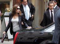 Carla Bruni : grosse panique au restaurant à New York... ses gardes du corps ont cru qu'elle était menacée ! Regardez !