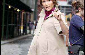 Quand Jennifer Lopez très enceinte... recadre les paparazzi qui dérangent son tournage ! Regardez !
