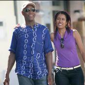 Quand Danny Glover, 62 ans, file le parfait amour avec sa jeune compagne... sous le soleil italien !