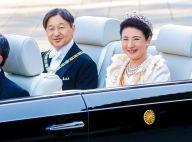Naruhito et Masako du Japon : tiare et costume d'apparat pour un rare défilé