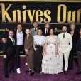 """Le cast du film """"À couteaux tirés"""" assiste à l'avant-première au théâtre Regency Village dans le quartier de Westwood à Los Angeles, le 14 novembre 2019."""