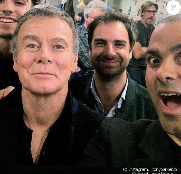 """Tony Parker sur le tournage de la série de France 2 """"Dix pour cent"""" avec Franck Dubosc, Carl Malapa et Grégory Montel."""