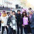 Sonia Rolland, Amanda Hezberg (bonnet blanc) et des amisparticipent à la marche contre les violences sexistes et sexuelles (marche organisée par le collectif NousToutes), partie de Place de l'Opéra jusqu'à la Place de la Nation. Paris, le 23 Novembre 2019 © Cyril Moreau / Bestimage