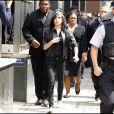 Amy Winehouse sort de son procès, le 24 juillet 2009, avec un look rock'n'roll !