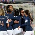 12 MARIE ANTOINETTE KATOTO (FRA) - 03 WENDIE RENARD (FRA) - JOIE - L'équipe de France féminine face à la Serbie lors d'un match de qualification de l'Euro 2021 à Bordeaux le 9 novembre 2019. La France a remporté le match sur le score de 6-0. © Christophe Saidi/Panoramic/Bestimage